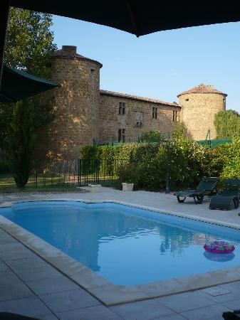 Chateau des Ducs de Joyeuse: La piscine