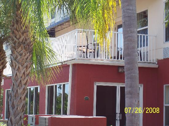 Holiday Inn Express Port Charlotte: exterior view of balcony