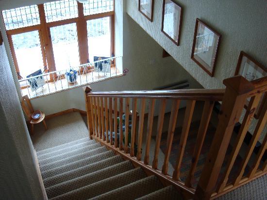 Glenkirk Loch Ness B and B: Stairway