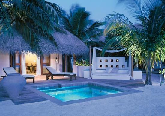 Emboodhu Finolhu: Deluxe Beach Villa with Plunge pool
