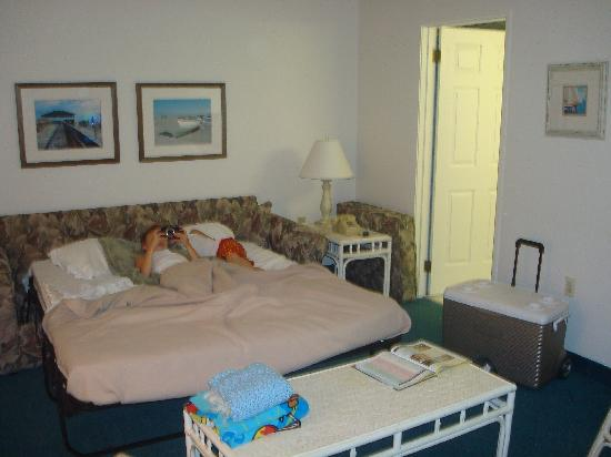 Biscayne Suites: pullout bed