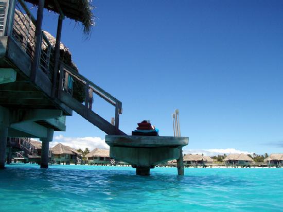 La piscine picture of intercontinental bora bora resort for Thalasso quiberon piscine