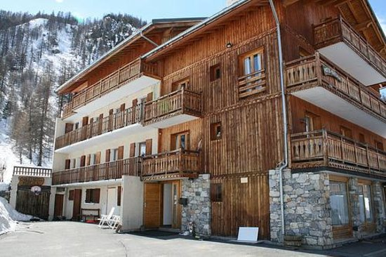 Front of Chalet Marsala