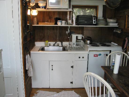 Lis Sur Mer: kitchen
