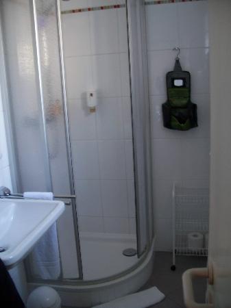 Hotel Laimer Hof: The Bathroom