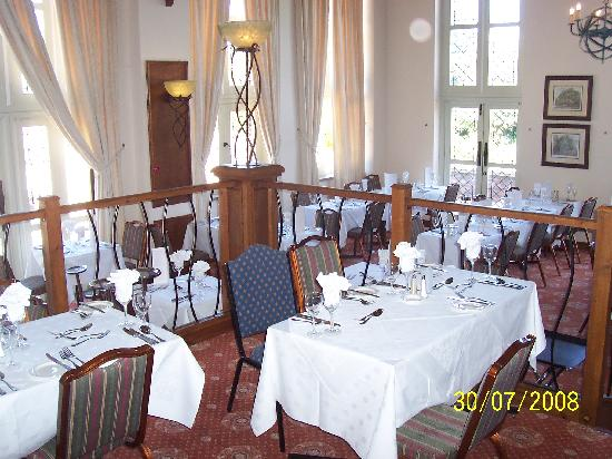 Warner Leisure Hotels Littlecote House Hotel: restaurant