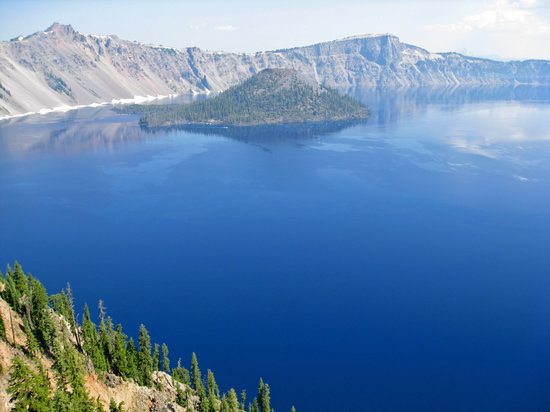 Crater Lake Lodge: Crater Lake and Wizzard Island