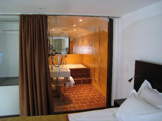 Naas Fabriker Hotel och Restaurang: Upper bathroom