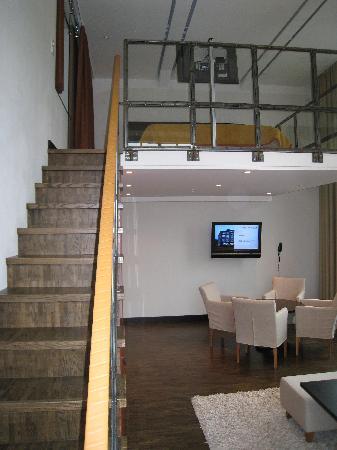 Naas Fabriker Hotel och Restaurang: Big windows