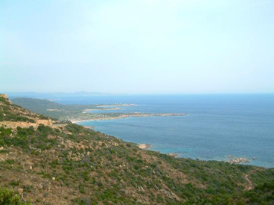 Reserve Naturelle des Bouches de Bonifacio: Le littoral extrême sud Ouest. Pianottoli caldarello