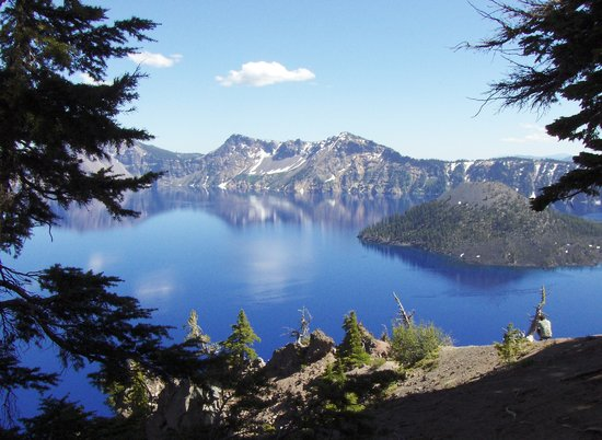 Parco nazionale di Crater Lake, OR: View of Crater Lake from northern entrance