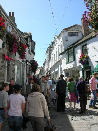 The Mustard Tree: Typical Street Scene of St Ives