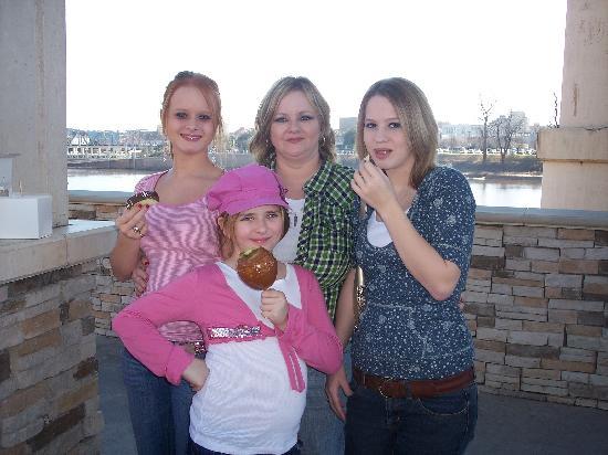 Louisiana Boardwalk: :)Girls Day:)