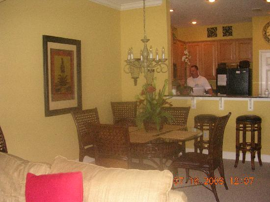 Cinnamon Beach at Ocean Hammock Beach Resort: dining room table