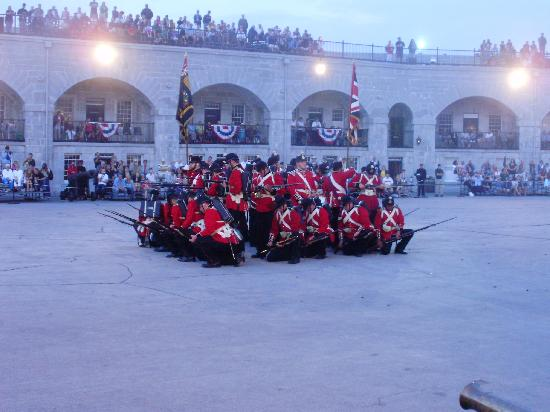Fort Henry (Fort Henry National Historic Site): Defensive square formation to defend against cavalry