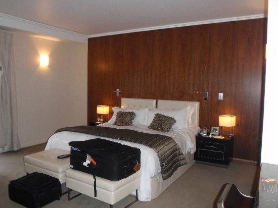 Sofitel Queenstown Hotel & Spa: Bed