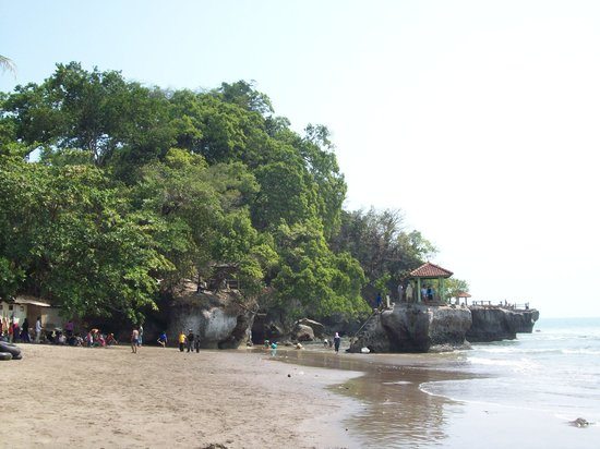 Kebumen, Indonesien: Beautiful Beach of Karang Bolong