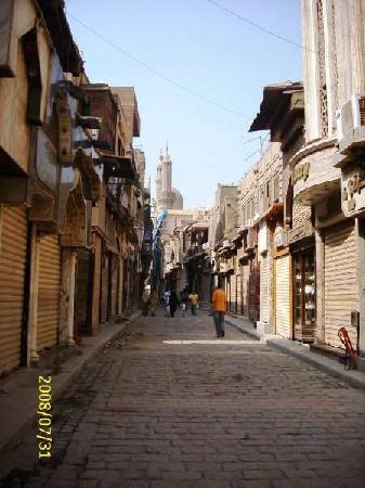 Sharia Al Mu'izz Li-Din Allah: Silver and Gold shops