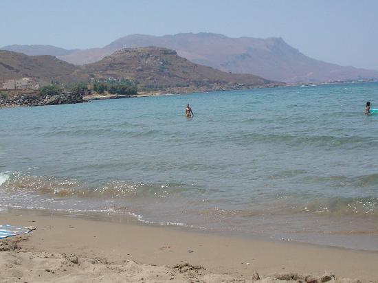 la plage de l'hotel Maria Beach à Kissamos