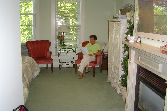 Astor House: The Marseilles Garden Room is very spacious and cmfortable.