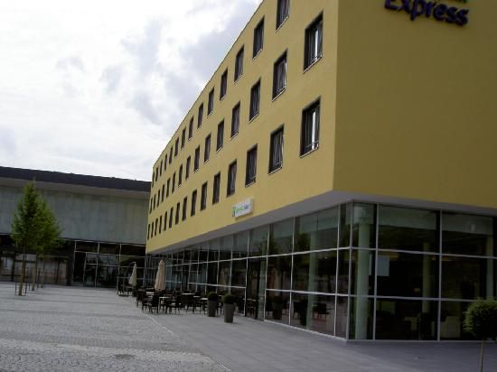 Holiday Inn Express Singen: Outside View 1