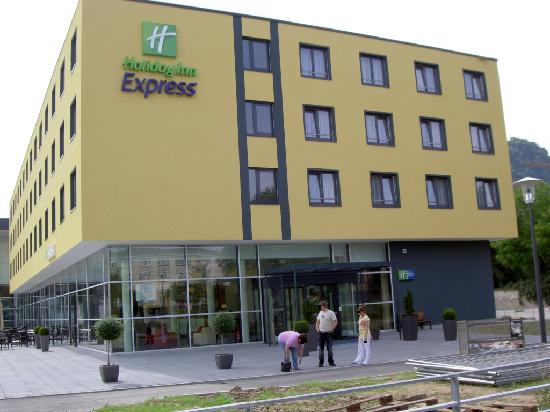 Holiday Inn Express Singen: Outside View 2