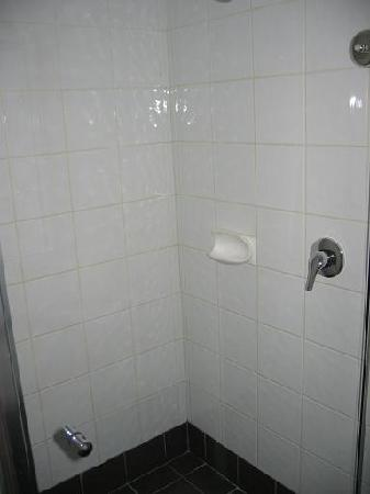 Joondalup City Hotel : Shower