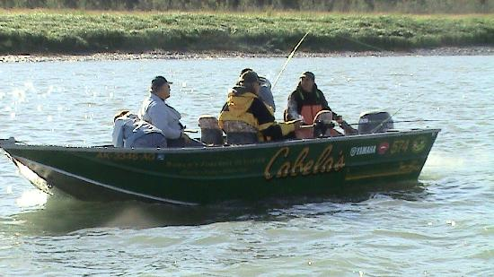 Krog's Kamp Lodge and Cabins: Cabela's boat fishing for kings
