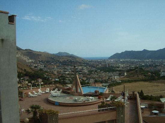 Hotel Bel 3 : vue de la terrasse