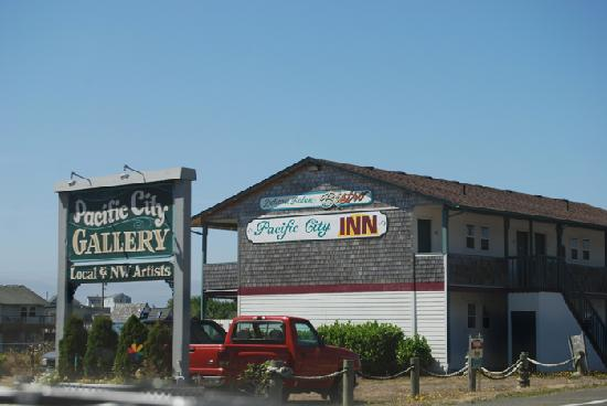 Pacific City Inn 8 08