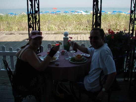 Victoria's Restaurant: Martini's and Lobster on the beach