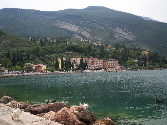 LakeFront Hotel Mirage: Vue de Riva