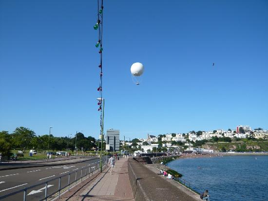 The Westgate: Seafront with Hi-flyer balloon in view