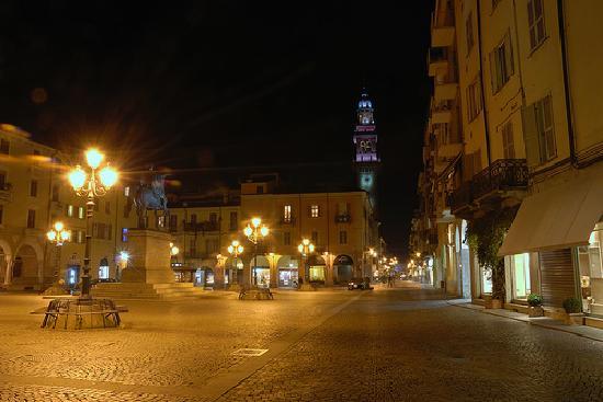 Casale Monferrato, Italia: Piazza Mazzini