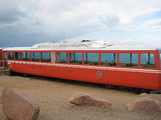Manitou Springs, CO: The train at the summit