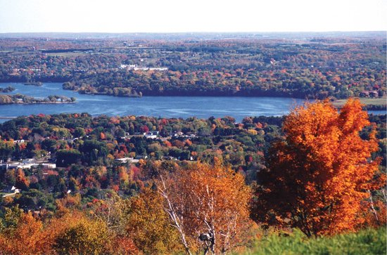 Wausau, Ουισκόνσιν: View atop Rib Mountain State Park