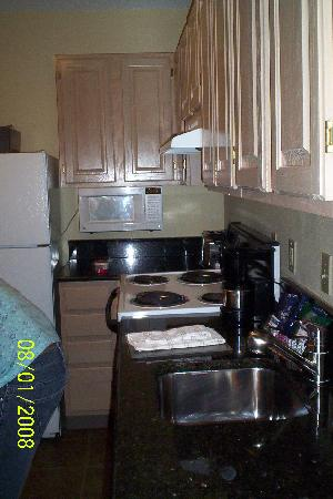 Hyatt House Herndon: Kitchen