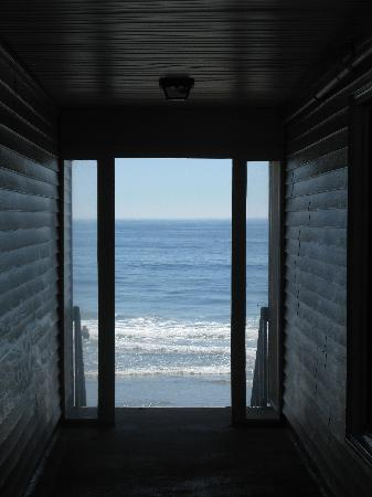 Atlantic Oceanfront Motel: Wow!