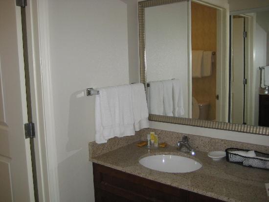 Residence Inn Boise West: sink