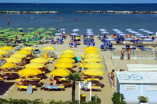 Hotel Elios: la plage vue de l'hotel