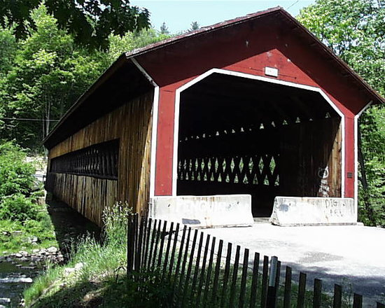 ‪Gilbertville Covered Bridge‬