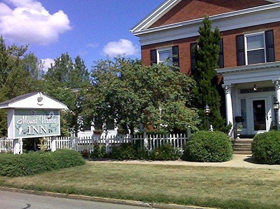 The Mount Vernon Inn: Grand Old Lady