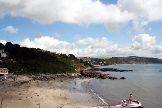 Looe, UK: The Beach and Bajo Pier