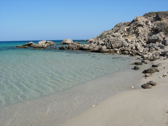 Karpathos, Greece: spiaggia vicino all'aeroporto