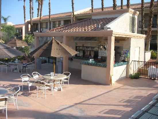 Welk Resort Palm Springs - Desert Oasis: Snack Shack/Bar