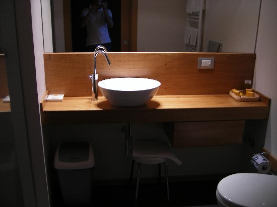 Cortese Hotel: Bathroom