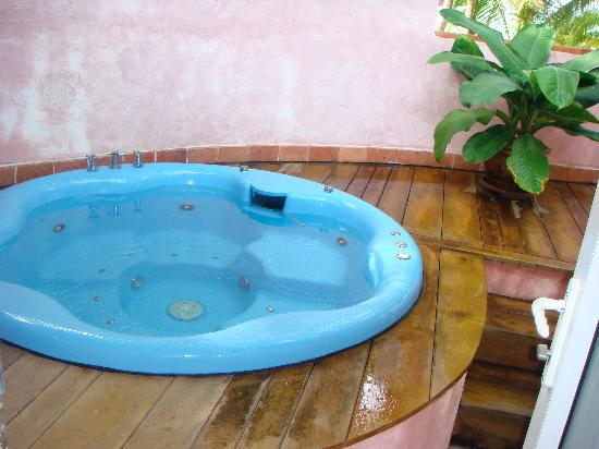 Santiburi Koh Samui : outdoor plunge pool- not quite what was advertised- no outdoor loungers