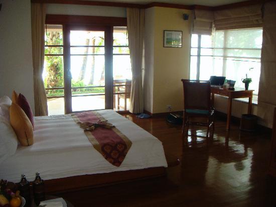 Santiburi Koh Samui : Bedroom- Beachfront villa with plunge pool