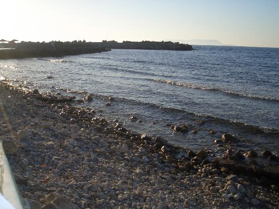 Kato Gouves, Greece: beach next to hotel