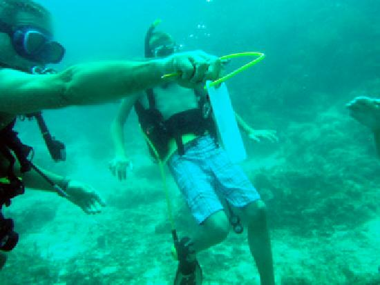 Down Under Watersports: Bill Writes Notes Underwater so you don't miss anything